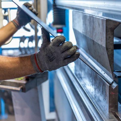 Curso de oficio de mecanizado por deformación y corte Convenio Metal